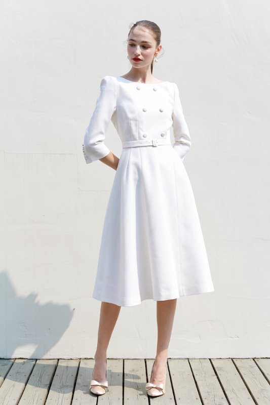 [윤아, 아이유 착용] SCARLET boat-neck double button detail dress (Off white)