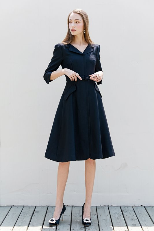 [한지민, 소이현, 신세경, 정유미 착용] DIANA V-neck notched collar flared dress (Deep Navy)