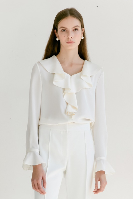 ELLA Ruffle blouse (Off White)
