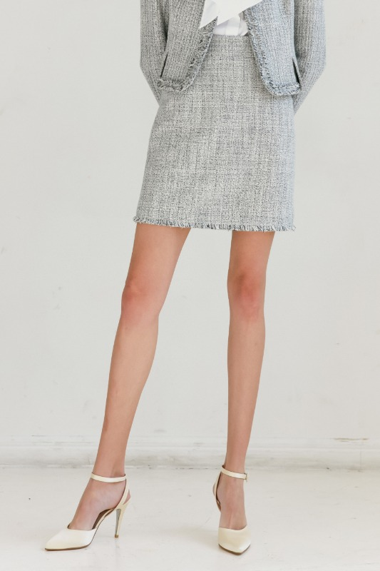 [권나라 착용] CLAIRE Fringe detail tweed short skirt (White & Deep Navy Tweed)
