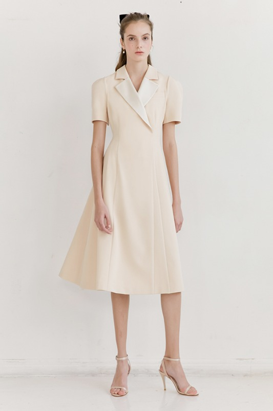 MADELYN Notched collar detailed dress (Butter)