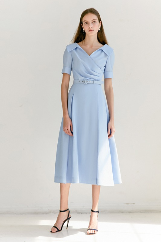 [소이현 착용] ELLIE V-neck short sleeve shirred shirt dress (Light Blue)