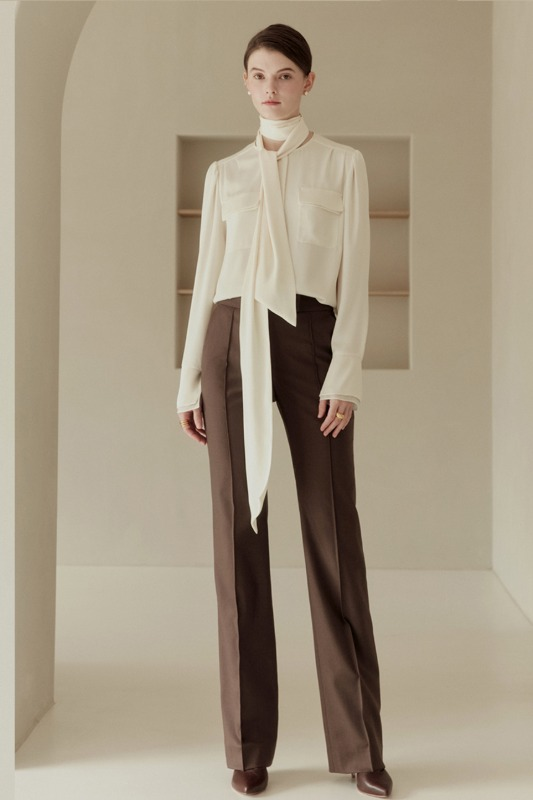 [스타트업 수지 착용]CECILE Pin tuck straight-fit trousers (Choco brown)
