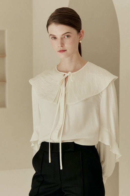 LINA Double-layered big size collar blouse (Ivory)