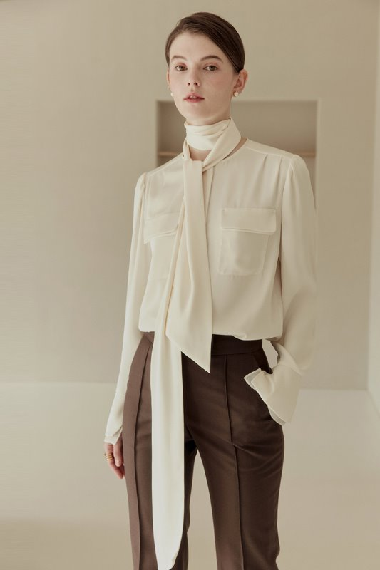 LUNA Detachable tie with two pocket blouse (Cream)