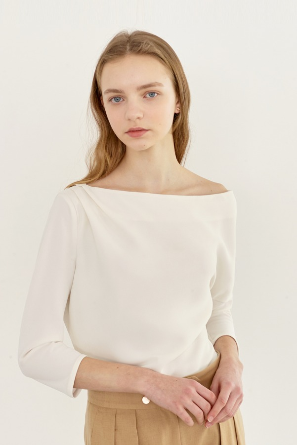 ATHENA Boatneck dolman sleeve blouse (Cream)