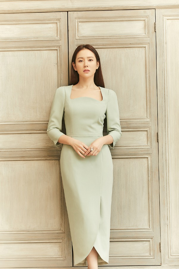 [4/20 예약배송]AMELIA Square neck tulip-skirt dress (Mint)