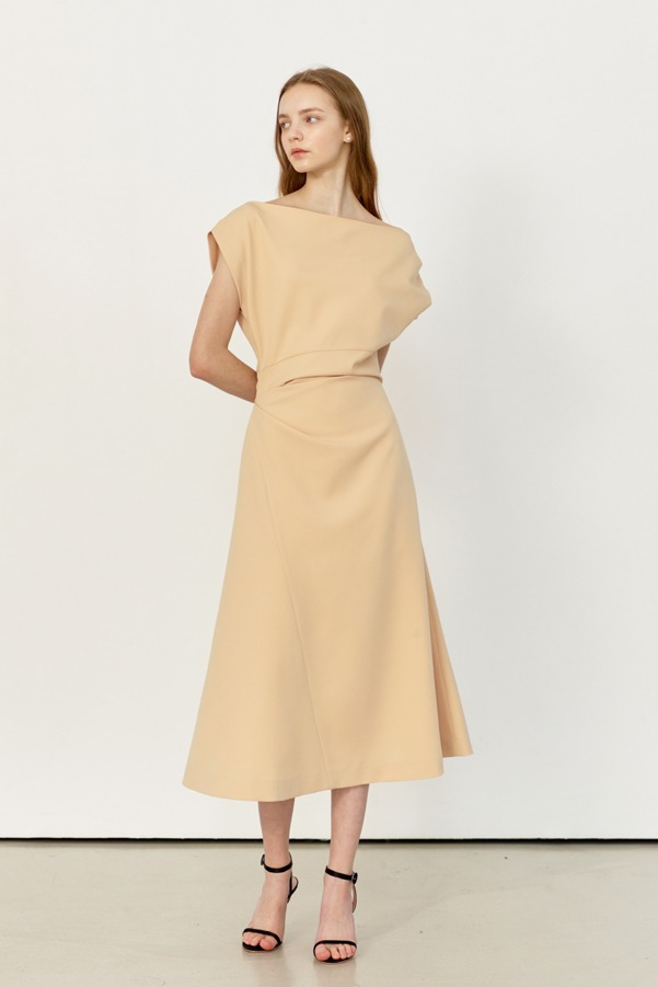 ATHENA Asymmetric sleeve flared dress (Cream Yellow)